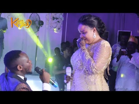 Wow! Okiki Sings Romatic song for his Wife -Abimbola is speechless when her husband starts to sing