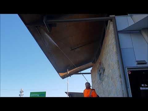 Cobweb cleaning Hervey Bay RSL