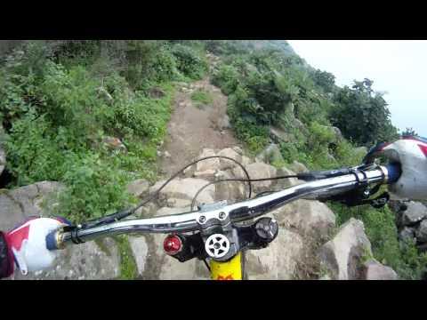 史上最快的山路自行車,根本不要命了!