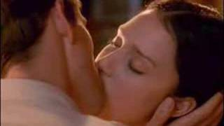 Video The Sleeping Dictionary - Kissing Moment MP3, 3GP, MP4, WEBM, AVI, FLV Juni 2018