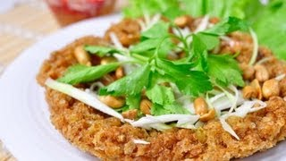 [Thai Food] Deep Fried Catfish Salad With Spicy Sour Green Mango Dressing (Yum Pla Dook Fu)