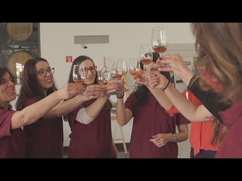 Μαδέρα: Γυναίκες παράγουν κρασί, κάνοντας ρεκόρ εξαγωγών – business planet