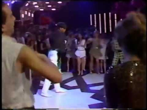 Shalamar's Jeffrey Daniel - 'Night to Remember'  on TOTP (HD)