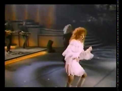 Tekst piosenki Reba McEntire - Respect po polsku