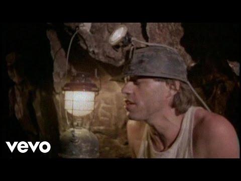Tekst piosenki Boomtown Rats - Drag me down po polsku