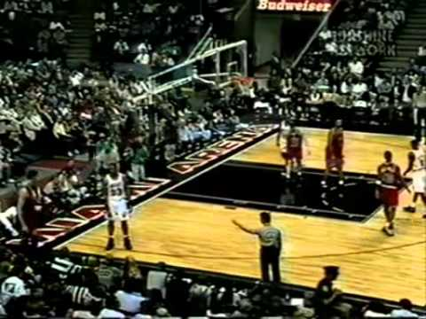 Alonzo Mourning Drops 50 on Gheorghe Muresan (14pts/5blks) (1996) (видео)