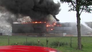 Zeer grote brand in loods Harlingen