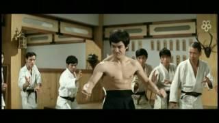 Download Video Bruce Lee Vs Japan 陈真踢馆之李小龙 MP3 3GP MP4