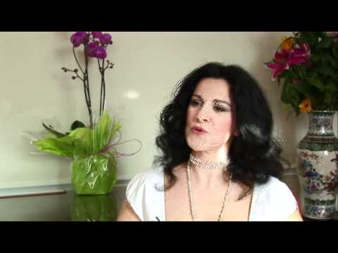 Angela Gheorghiu speaks about Adriana Lecouvreur.flv