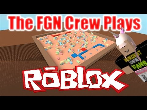 The FGN Crew Plays: Roblox - Tiny Tanks (PC)