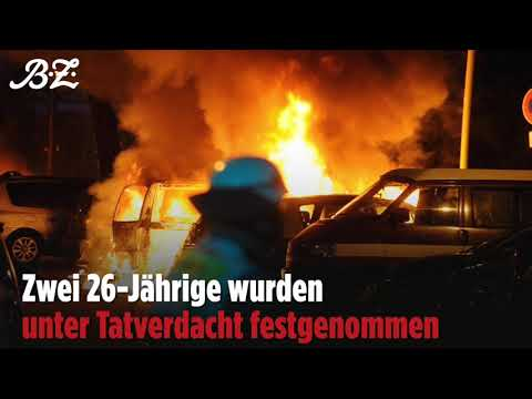 Politisches Motiv vermutet: 14 Autos in Prenzlauer  ...