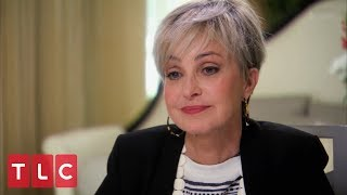 Theresa Reads Actress Annie Potts | Long Island Medium