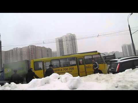 Драка возле метро Новокосино