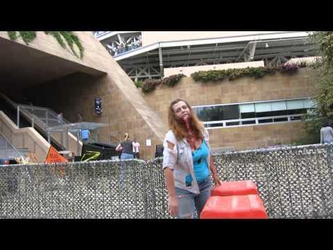 Real Life Zombie Apocalypse! (The Walking Dead Escape) (видео)