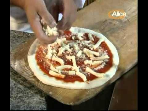 Preparazione Pizza Margherita senza Glutine