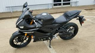 8. 2019 Yamaha R3 W/ ABS