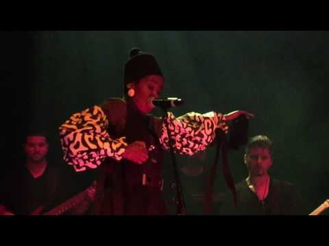 Video Lauryn Hill  |  Turn Your Lights Down Low (Bob Marley cover)  |  Live in Vancouver download in MP3, 3GP, MP4, WEBM, AVI, FLV January 2017