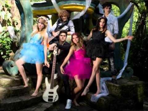 mis xv wonderland - Cancion Wonderland con imagenes del video original.