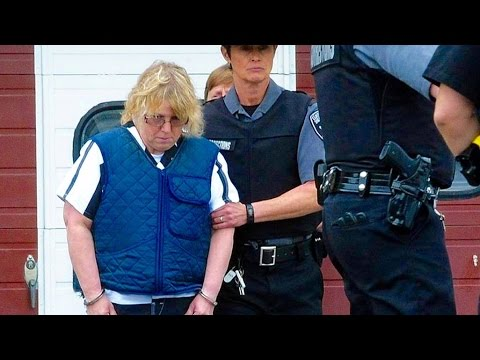 NY Prison Break: The Seduction of Joyce Mitchell (Clip 1)