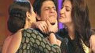 SRK demands a KISS from Vidya, Anushka !