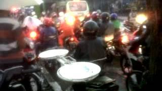 Kendaraan Motor Mobil Mati Di kepung Banjir Di Kota Bandunghttp://goo.gl/W2Rm2Qhttp://goo.gl/pBvop3http://goo.gl/hC4DqPhttp://goo.gl/icGoGtKendaraan Motor Mobil Mati Di kepung Banjir Di Kota BandungKendaraan Motor Mobil Mati Di kepung Banjir Di Kota Bandung