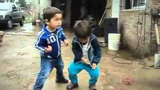 Funny Kids.. Dancing!!