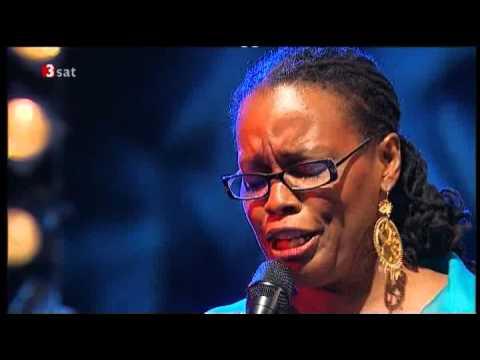 Tekst piosenki Dianne Reeves - In A Sentimental Mood po polsku