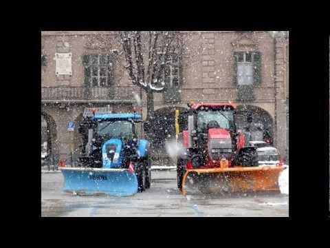 sgombero neve - un ringraziamento alla ditta Sobrà per il servizio svolto nella stagione invernale nelle vie del centro storico e nelle vie limitrofe di Savigliano (CN) foto...