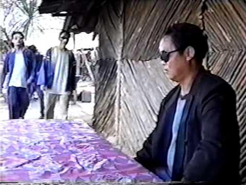 Kua Txob Me Kua Txob Ntsim (видео)