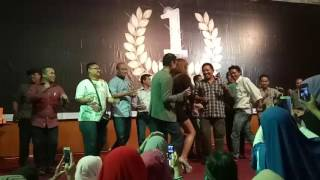 Download Video BEBY MARGARET , TOMY KURNIAWAN , YURIKE P , di acara GLUTERA Samarinda MP3 3GP MP4