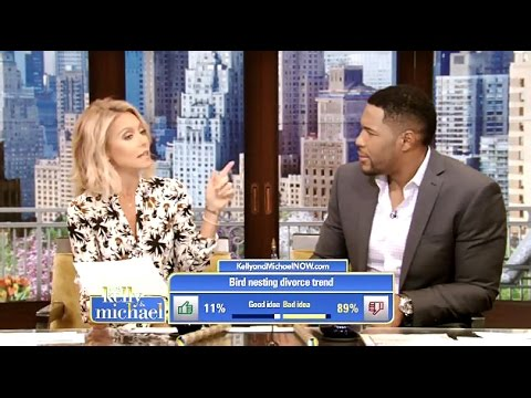 Kelly Ripa Points Out Strahan's Divorce