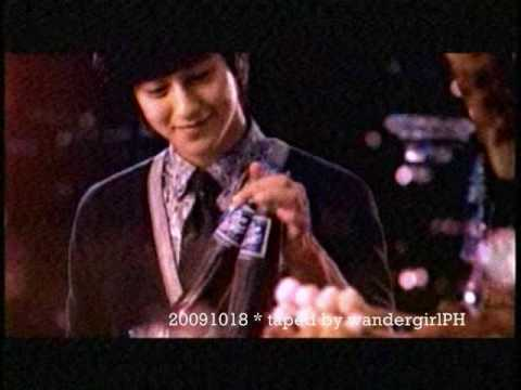 RC Cola - 20091018 CF premiere on TV RC COLA Kim Bum and Maja Salvador no copyright infringement intended. I just taped this from Tv to share with fans of Kim Bum :)