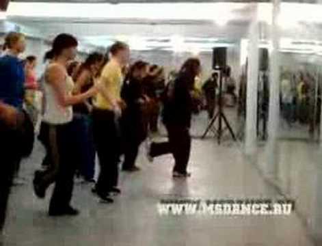 Урок house dance в танцевальном центре MainStream, проводит Эдик