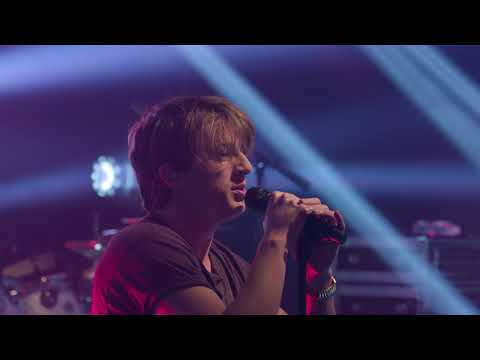 Charlie Puth - Attention (Live on the Honda Stage at the iHeartRadio Theater NY) - Thời lượng: 4:04.