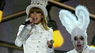 Taylor Swift Calls Out Harry Styles in Grammy Performance 2013