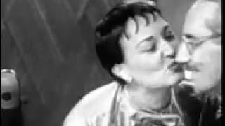 Video You Bet Your Life #54-20 Groucho sings German folk music (Secret word 'Clock', Jan 27, 1955) MP3, 3GP, MP4, WEBM, AVI, FLV Juni 2018