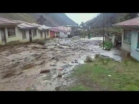 Καταστροφικές πλημμύρες πλήττουν τη Βολιβία