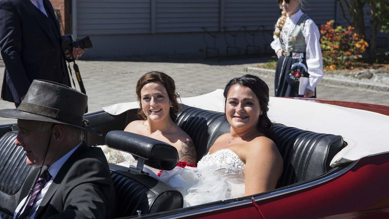 Nå er Anette og Christina endelig gift