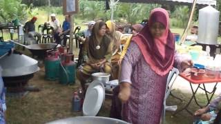 This is part one of my video when I visited Malaysia for my nephew's wedding. It was taken in Kampung Bukit Hijau, Jeram, Kuala Selangor Malaysia. Most of its ...