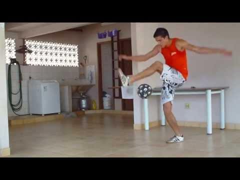Excelentes trucos y dominio de balón