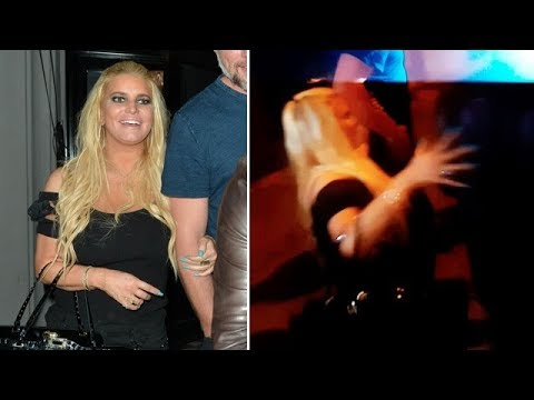 Jessica Simpson Parties Hard, Takes A Tumble In WeHo