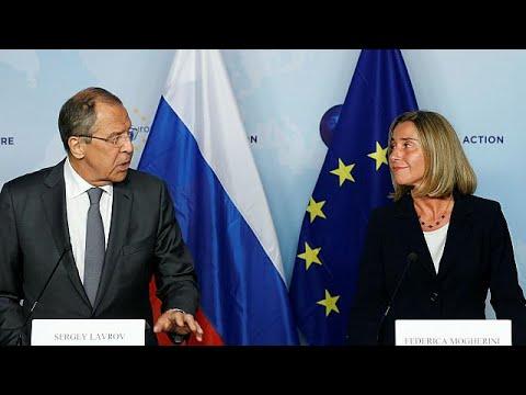 Μογκερίνι-Λαβρόφ: να συνεχίσουμε τον απευθείας διάλογο
