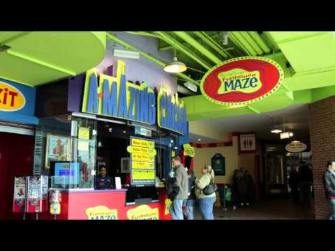 Amazing Chicago's Funhouse Maze: A Fun Place for Kids at the Navy Pier
