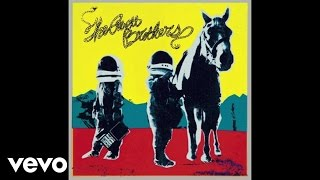Ain't No Man (Official Audio)Available on the new album True SadnessDownload Here: http://republicrec.co/AvettAintNoMan Keep up with The Avett Brothers:http://www.theavettbrothers.comhttps://www.facebook.com/theavettbrothershttps://twitter.com/theavettbroshttps://www.instagram.com/theavettbrothersMusic video by The Avett Brothers performing Ain't No Man.  © 2016 Republic Records, a Division of UMG Recordings, Inc. (American Recordings)http://vevo.ly/n8ztdM