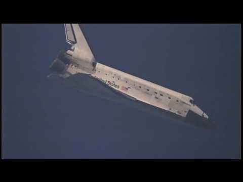 """""""Welcome Back!"""" Discovery Lands Safely at Kennedy"""