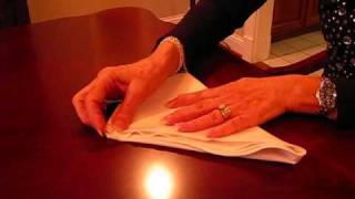 Betty's Quick Tip 87--Napkin Folding for the Dinner Table - YouTube