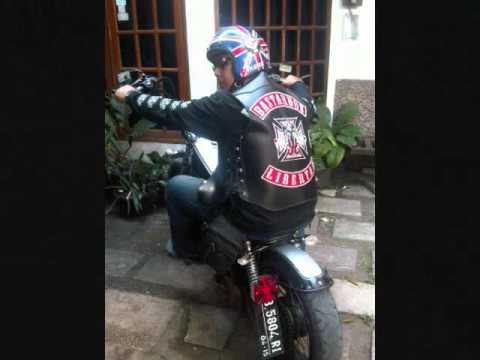 Bastardos Libertad MC clip Motorcycle Chopper