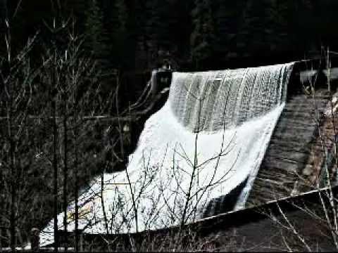 Rafter Drops 125-Foot Dam!