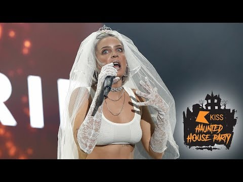Anne Marie - Ciao Adios (Live At The KISS Haunted House Party 2018)
