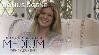 Video Tyler Henry Senses A Presence In Rachel Hunter's Home | Hollywood Medium with Tyler Henry | E! MP3, 3GP, MP4, WEBM, AVI, FLV Maret 2018